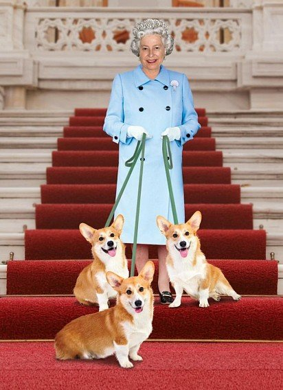 Елизавета II со своими корги